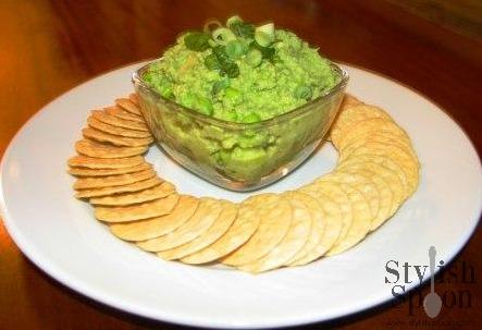 Edamame Hummus | www.StylishSpoon.com