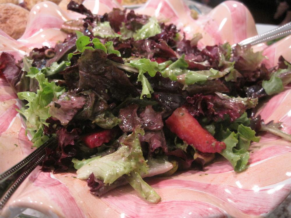 Strawberry and pistachio salad with mint vinaigrette