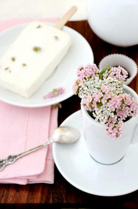 flowers-in-mug
