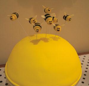 Recipe Marzipan Bumble Bee Cake Topper Tutorial