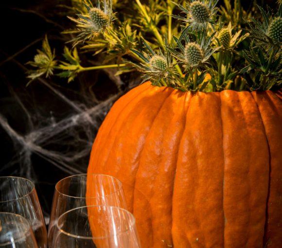 DIY Pumpkin Vase for Halloween or Thanksgiving   www.StylishSpoon.com