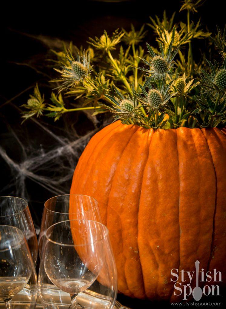 DIY Pumpkin Vase for Halloween or Thanksgiving | www.StylishSpoon.com