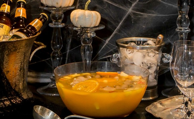 <em> Recipe </em> :: Spooky Citrus Sangria {Halloween Drink}