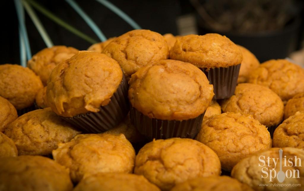 Mini Pumpkin Muffins | www.StylishSpoon.com