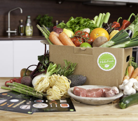 HelloFresh grocery delivery with ingredients for 3 meals | www.StylishSpoon.com