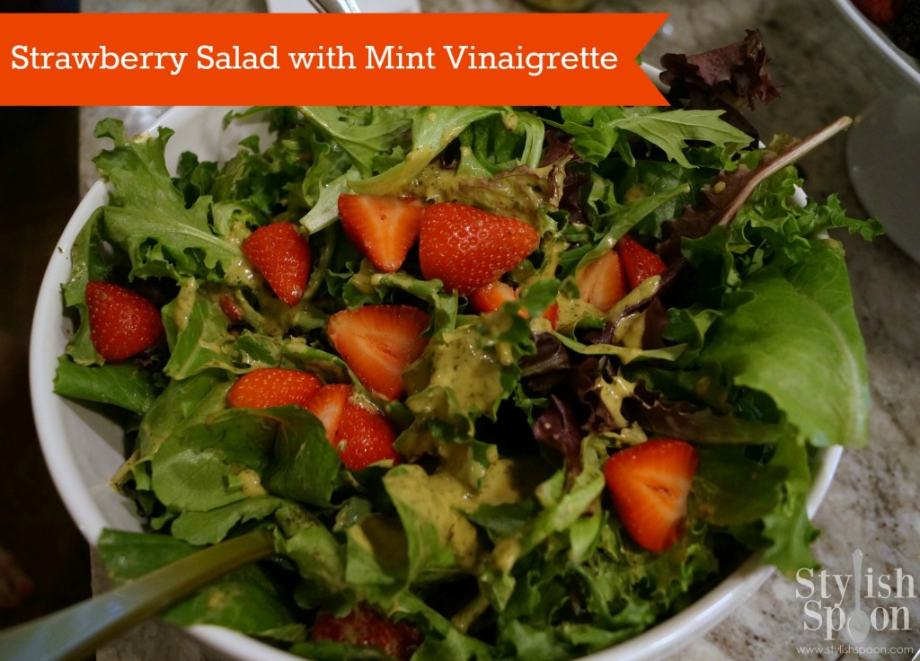 Mesclun Strawberry Salad with Mint Vinaigrette | stylishspoon.com