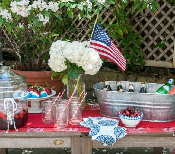 4th of July Beverage Station | stylishspoon.com