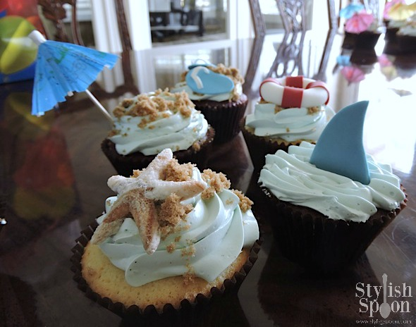 pool party beach theme cupcakes