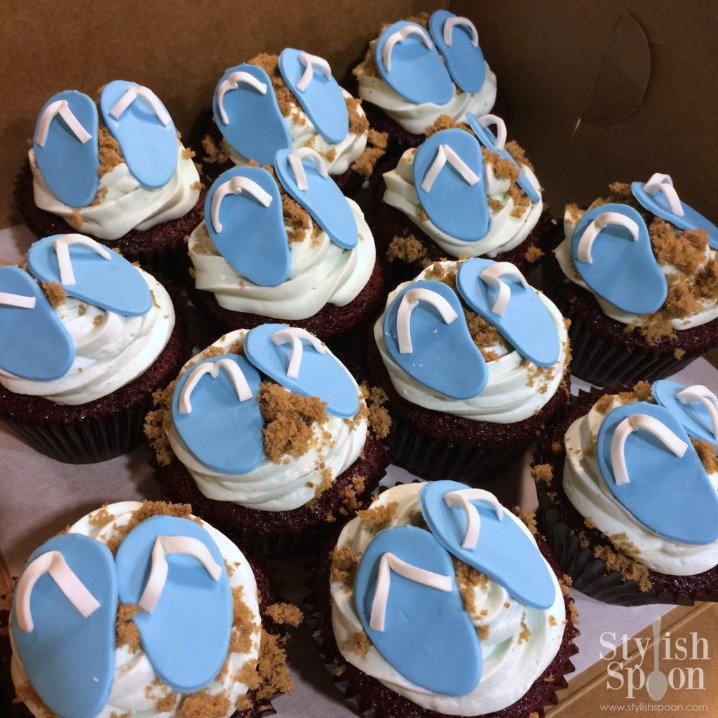 flip flop pool party beach theme cupcakes