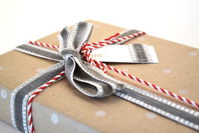 Gift wrapping idea mixed material ribbons christmas holidays