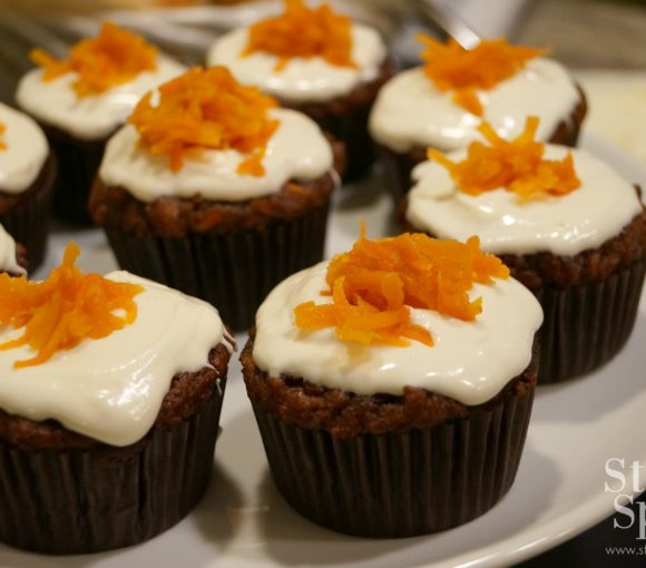 Healthy carrot cake cupcakes - gluten-free made with almond flour