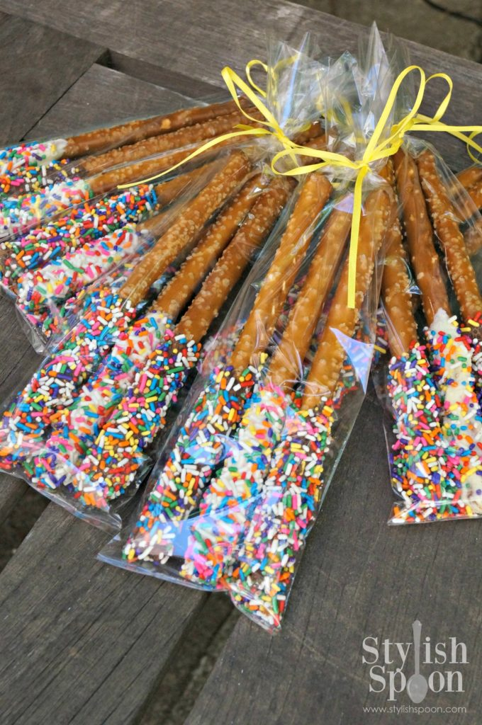 sprinkle pretzels wrapped